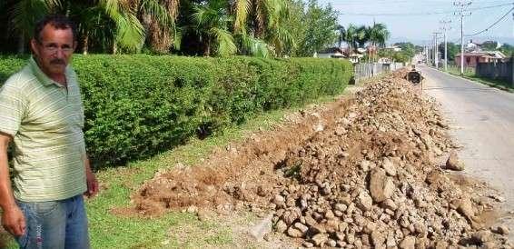 Obras de canalização estão sendo realizadas até o centro de distribuição da Casan, em São Defende.