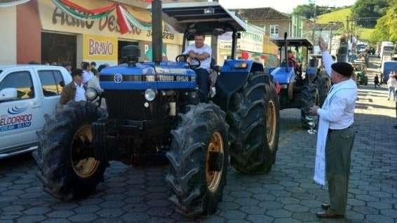 Desfile de máquinas agrícolas na 9ª Festa da Gastronomia   DSC 3360