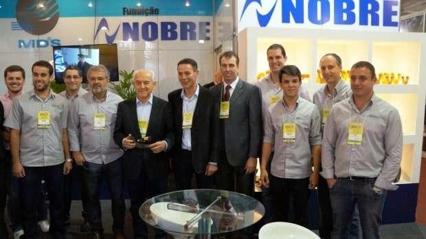 O empresário Marco Aurélio Spillere recebeu no stand da Fundição Nobre e MDS na Feira Sul Metal, o Ministro do Trabalho Manoel Dias. O presidente do SIMEC, Rogério Mendes também esteve presente.