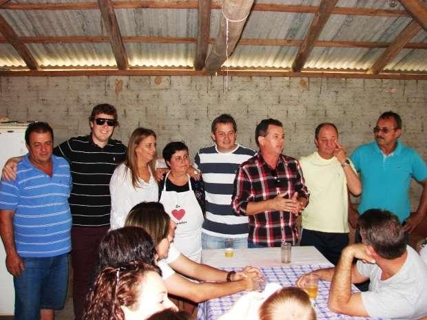 O PSDB no sábado se reuniu na casa de Jorge Bozello e Julia que preparou um pato com polenta, muito saboroso.