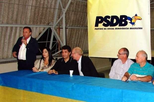 O PSDB da região se reuniu na quinta-feira da semana passada na Associação Imbralit. O tucanato de Nova Veneza marcou presença. O Senador Paulo Bauer e o Deputado Estadual Dóia Guglielmi também estiveram presentes.