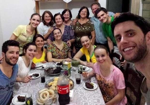 Se tem um lugar que não podemos deixar de visitar é a casa da Dona Carmen, essa simpatisíssima senhora que, junto com sua família, nos acolheu em 2006, em nossa primeira ida à Goiás.