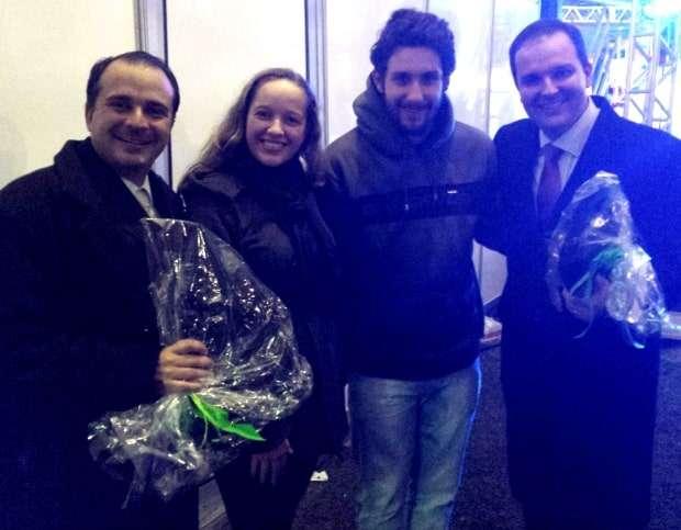 Izamara Gava Ghisleri e Leonardo Barth prestigiando o show dos Tenores do Brasil.
