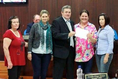 O vereador Dalto Bortolotto (PSDB) repassou recursos para 8 entidades durante o ano. O valor total no ano é de R$ 5,2 mil. Desde de seu primeiro mandato Bortolotto repassa recursos para entidades sociais.