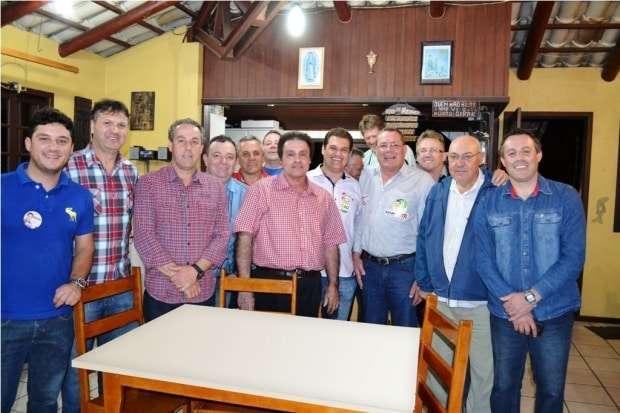Na quinta-feira o jovem Domingos Spillere se filiou no PSB, eles estiveram no município visitando eleitores com o candidato a Deputado Estadual Cleiton Salvaro. O ex-vereador Altemar Colonetti filiado ao PSB marcou presença.