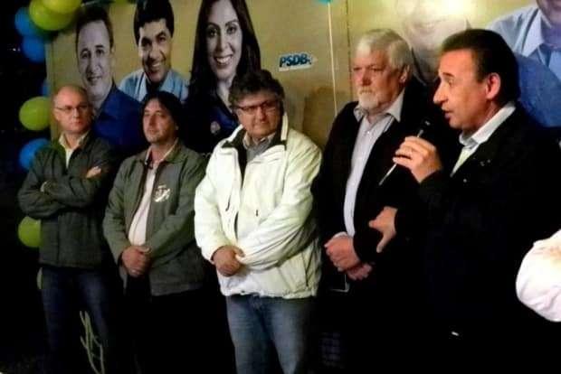 Recentemente o PSDB de Forquilhinha reuniu seu grupo em apoio as candidaturas de Dóia Guglielmi, estadual, e Geovania de Sá, federal. O empresário Valmir Rampinellimarcou presença.