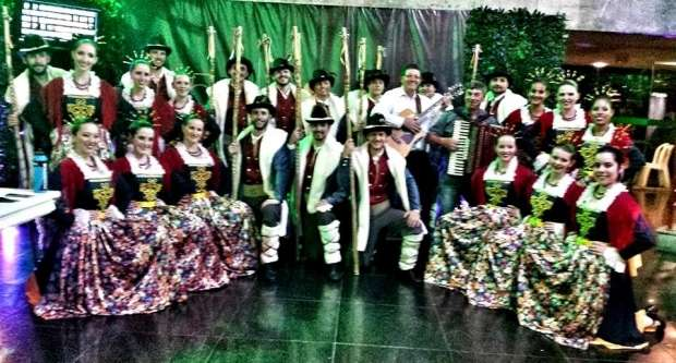 Grupo Folclórico Ítalo-Brasileiro Nova Veneza no Unesc em Dança
