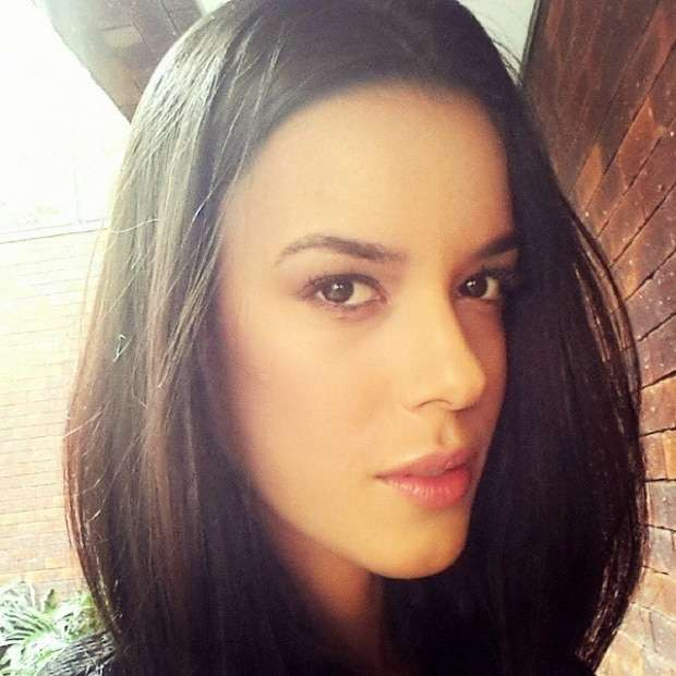 Laís Santos é beleza pura!