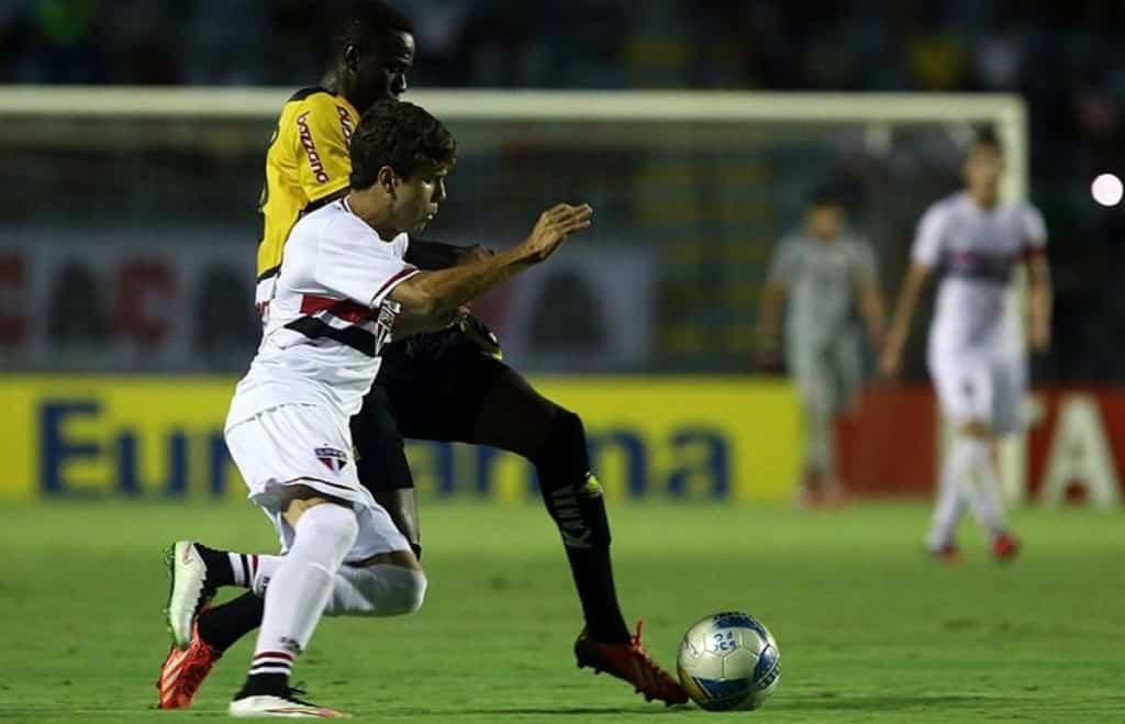 Atacante Jefferson durante duelo pela Copa SP 2015 / Créditos: Rubens