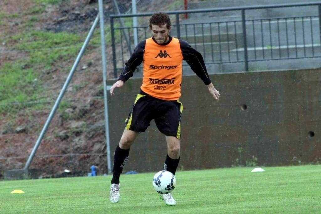 Ianson em ação no treino desta quinta / Créditos: Fernando Ribeiro