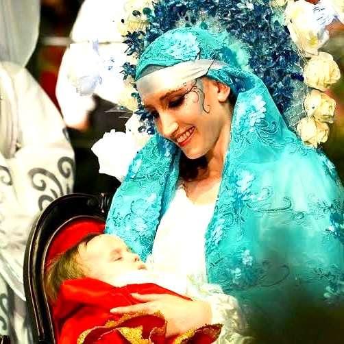 Vanessa Begnini brilhando como Maria no Auto de Natal de Criciúma.
