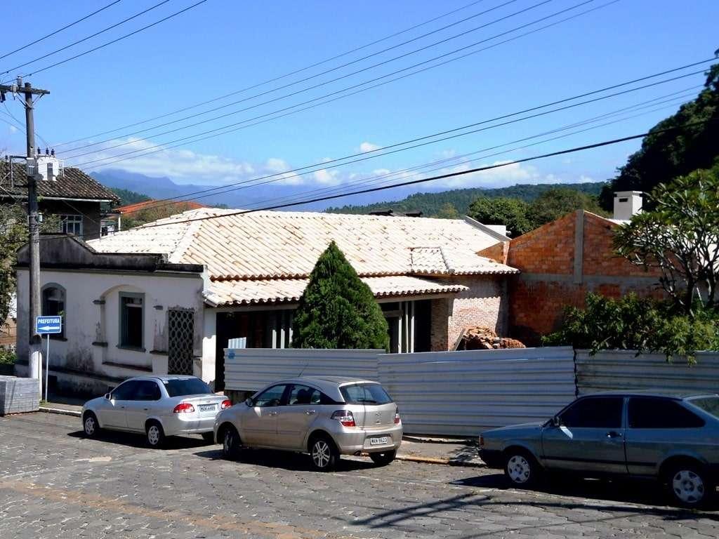 Neste casarão antigo que está sendo restaurado e ampliado vai ser um bistrô, mais uma opção gastronômica da cidade.