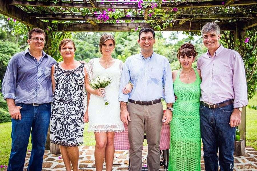 No dia 20 casaram no civil Renata Guzzatti e Mário Nazzari Westrup no sítio da família Westrup em Nova Veneza. Parabéns.