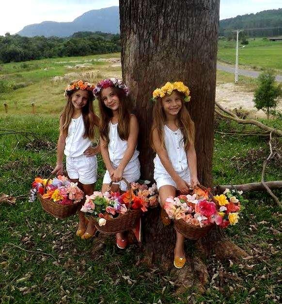 As trigêmeas mais lindas da região estão completando 07 anos nesta quarta-feira (13). Parabéns Emili, Clara e Bruna Aléssio Gava.