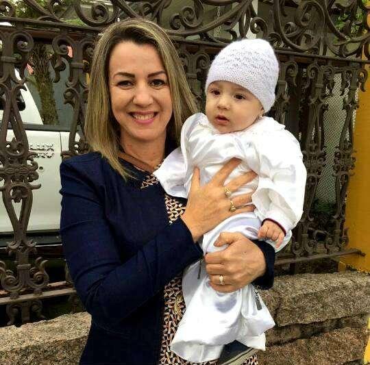 Adriana Spilere e seu pequeno neto Valentin.