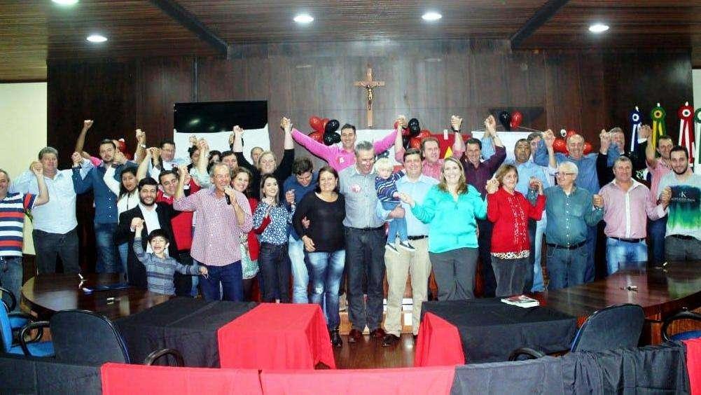 As convenções na sexta-feira confirmaram Evandro Gava e o peemedebista Betão na chapa majoritária.