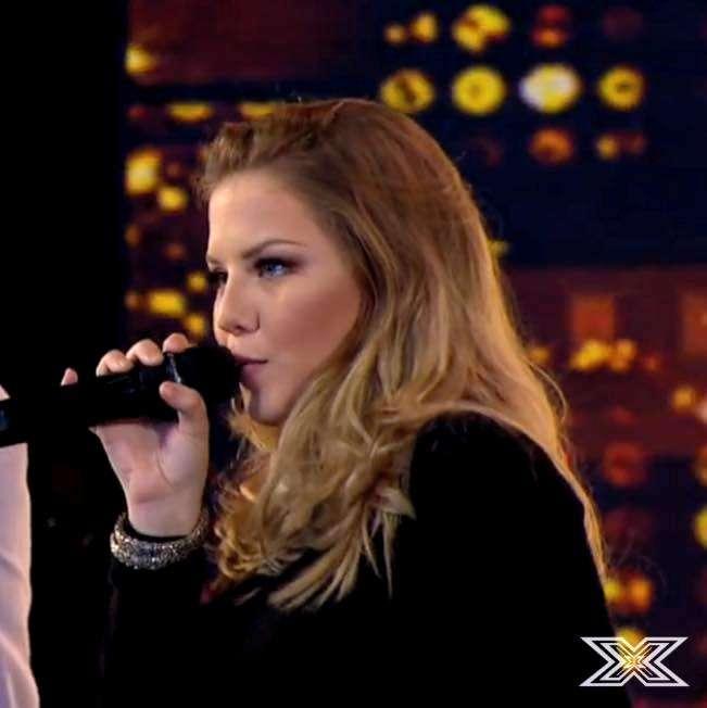 A criciumense Mariana Sônego Mattos, no programa X-Factor Brasil.