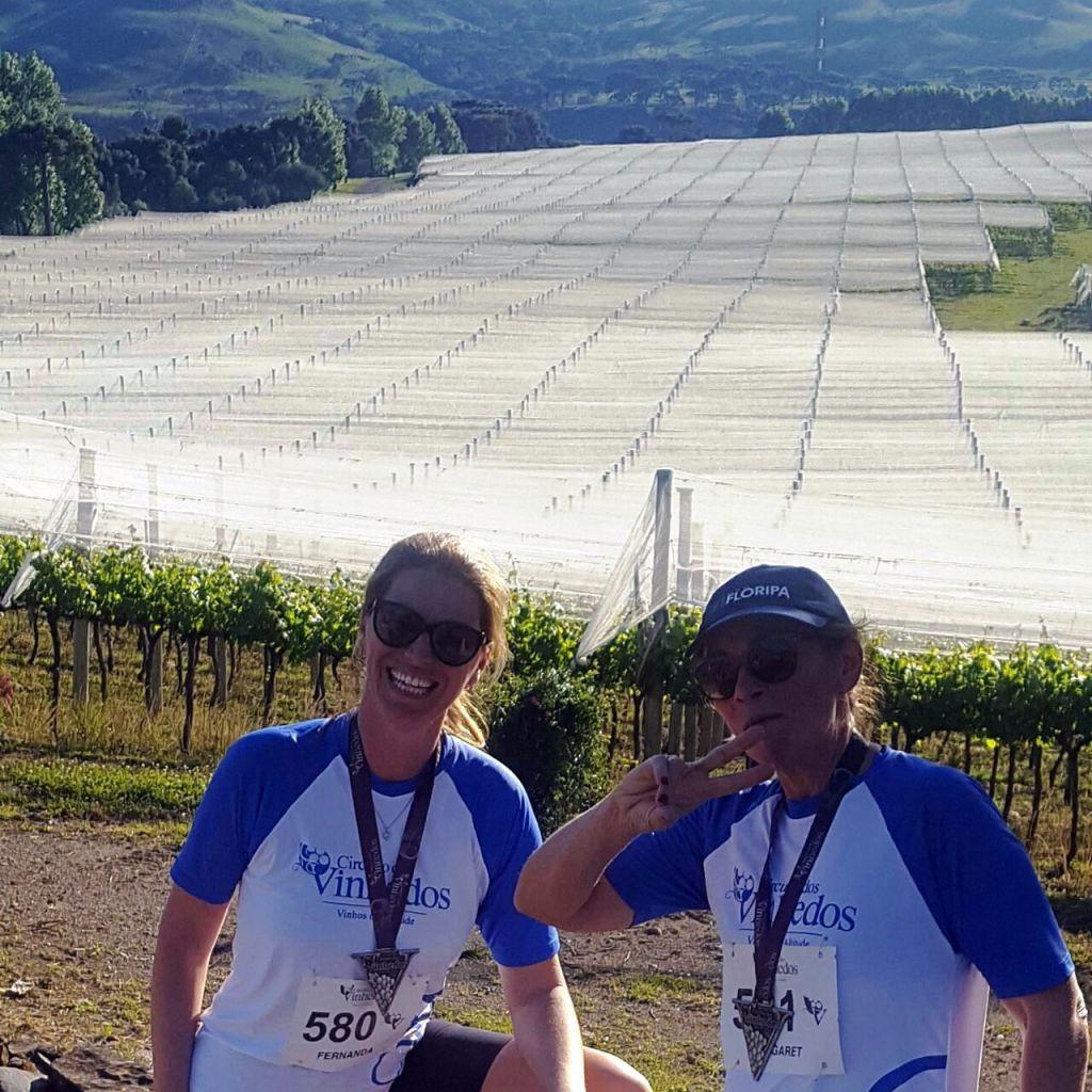 A Guete Ostetto e Fernanda Nuernberg Brogni na Vila Francione num evento esportivo recentemente.