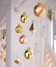 Esses cordões decorativos ficam lindos em qualquer ambiente, mais baratos que os arranjos, também podem trazer pequenas intervenções nos espaços, que porém valorizarão em muito a sua decoração.