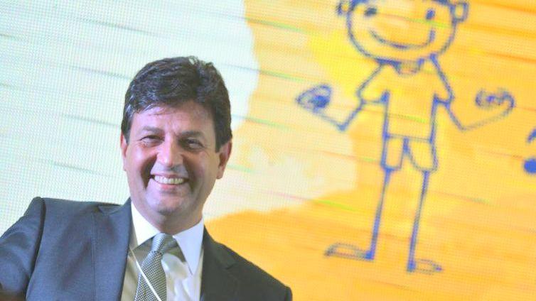 O ministro da Saúde, Henrique Mandeta, participa do Seminário Internacional da Primeira Infância - O Melhor Investimento para Desenvolver uma Nação, no Centro Internacional de Convenções do Brasil (CICB), em Brasília.