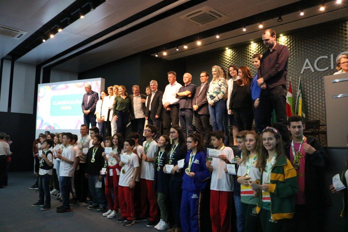 entrega premio de matematica 027 vencedores ouro